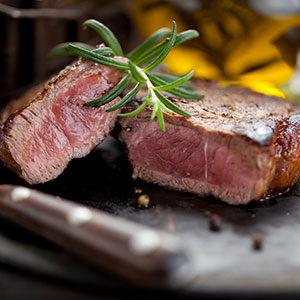Perfekt medium-gebratenes Dry-Aged Steak