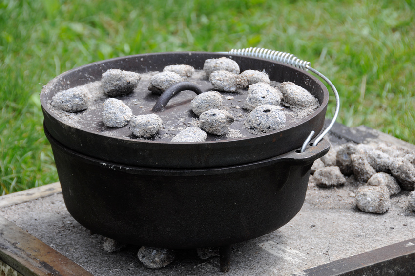 Dutch Oven with coal